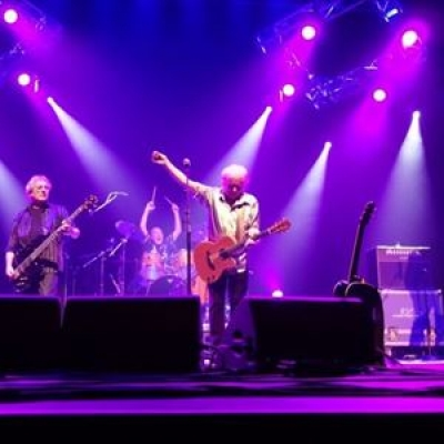 - Image: www.acousticstrawbs.co.uk