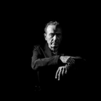 Hugh Cornwell - Photo: Kevin Nixon www.knixon.co.uk
