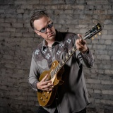 Joe Bonamassa - Photo: Marty Moffat