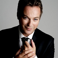 Julian Clary - Image: www.julianclary.co.uk